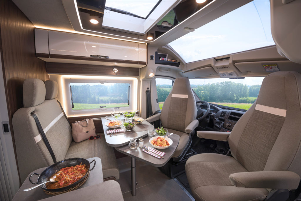 Poessl Summit 600 Prime Skyroof